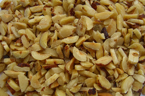 Slivered Hazelnutkernels